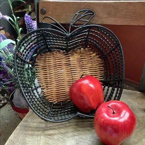 Vintage Apple 🍎 Wire Basket